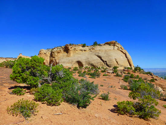 Sandstone formations over Ute Canyon on the Liberty Cap Trail